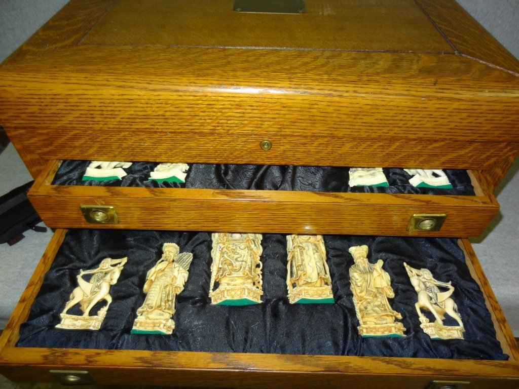 301: Fabulous Carved Ivory Chess Set in Original Finish - 9