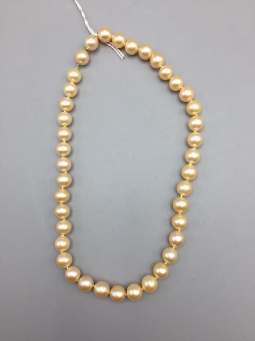 Cultured pearl choker