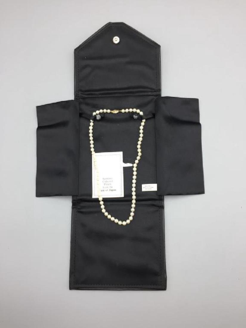 Cultured pearl necklace with 14 K clasp