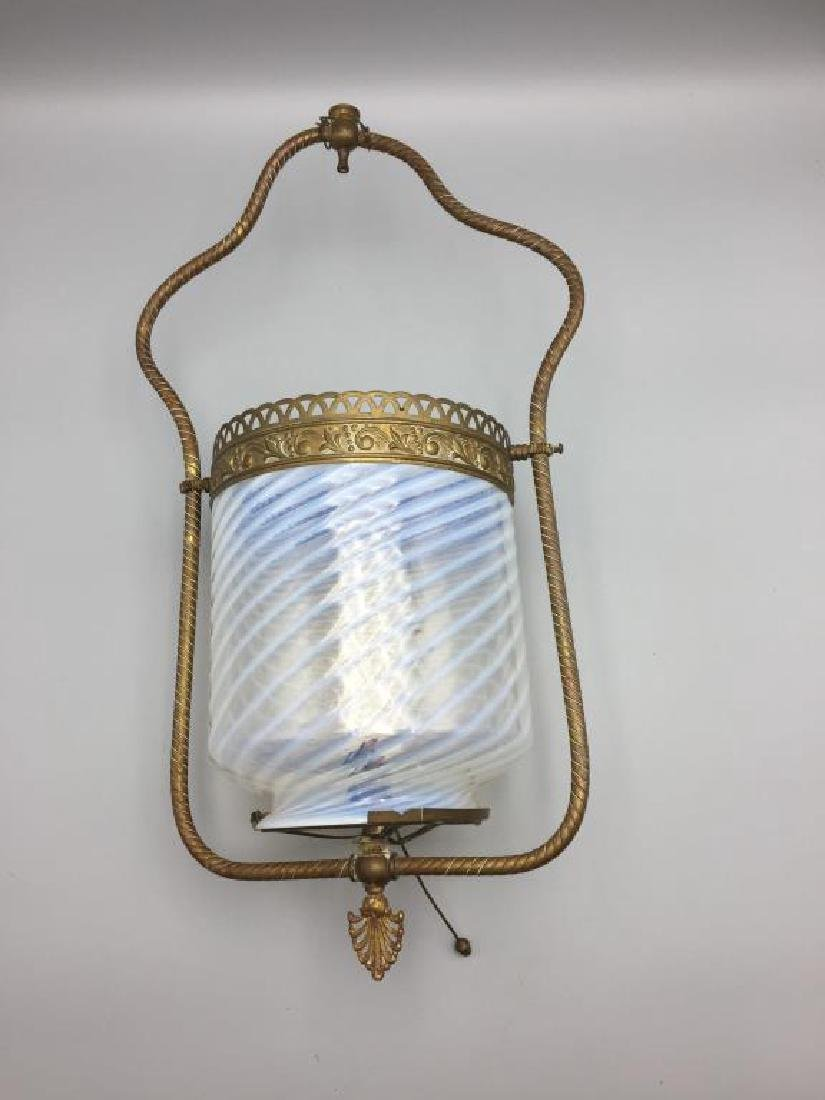 Victorian gas light with opalescent shape - 2