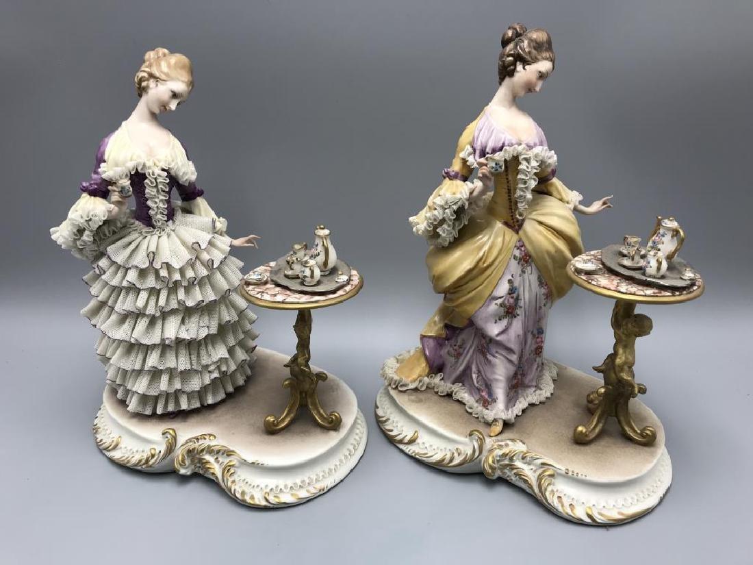 lot of 2 Capodimonte figurine,  ladies having tea