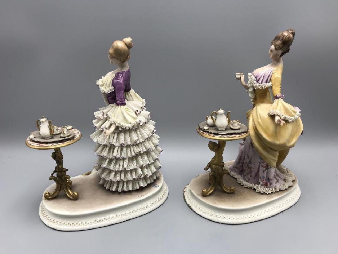lot of 2 Capodimonte figurine,  ladies having tea - 2
