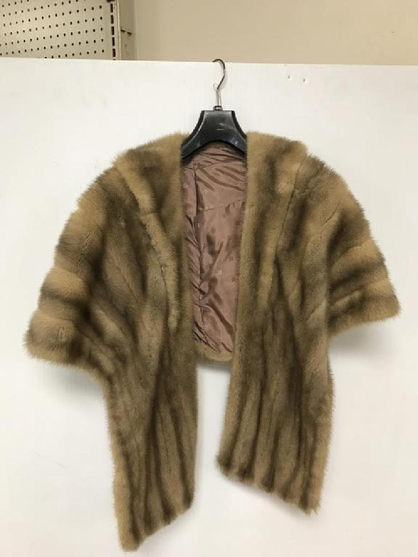 Lot of two light mink stole - 5