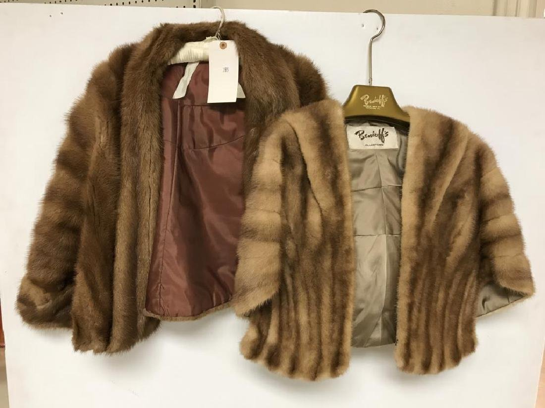 Lot of two light mink stole