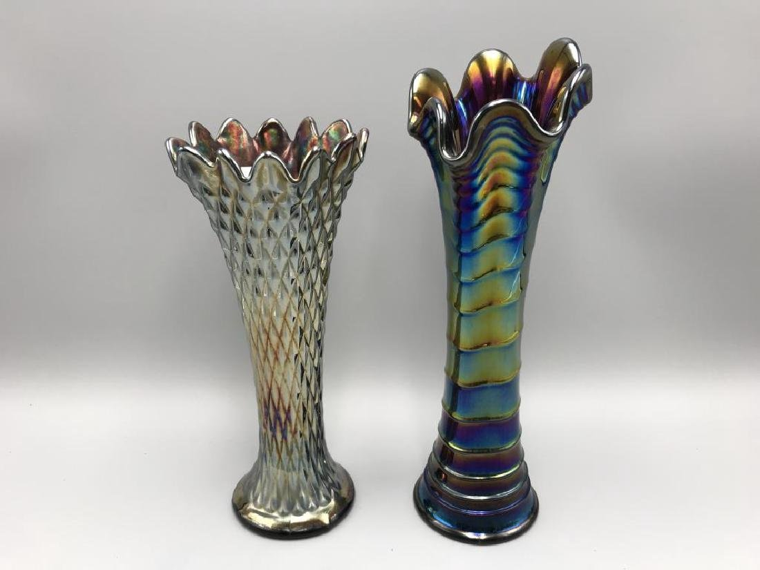 A lot of two carnival glass vases