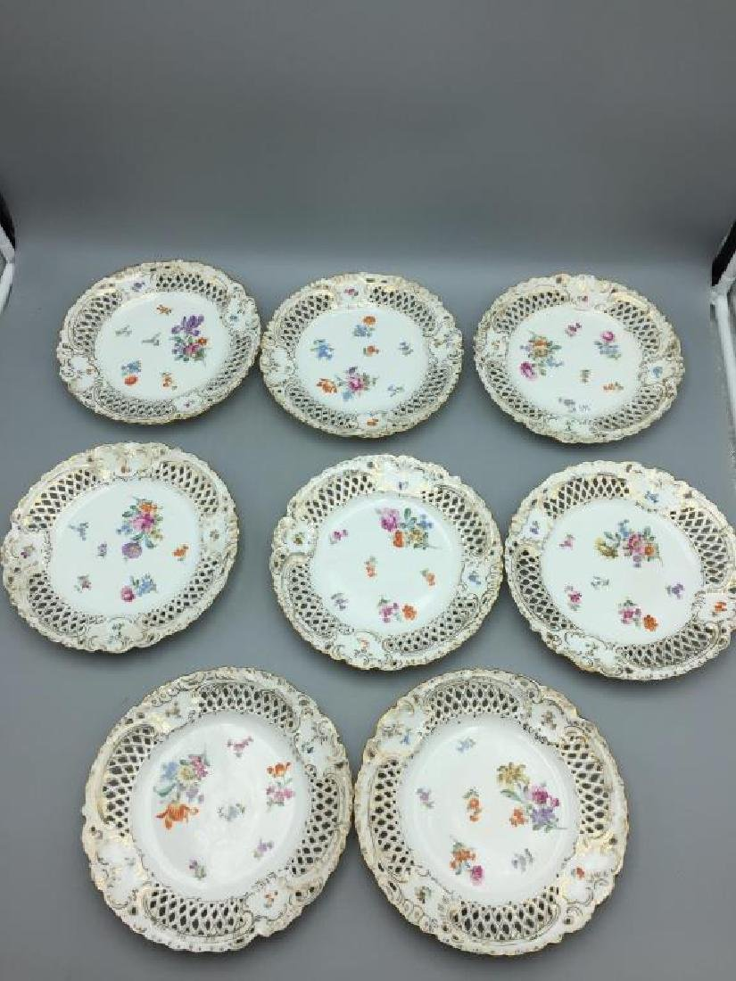Set of eight German reticulated plates