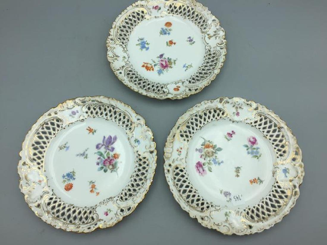 Set of eight German reticulated plates - 2