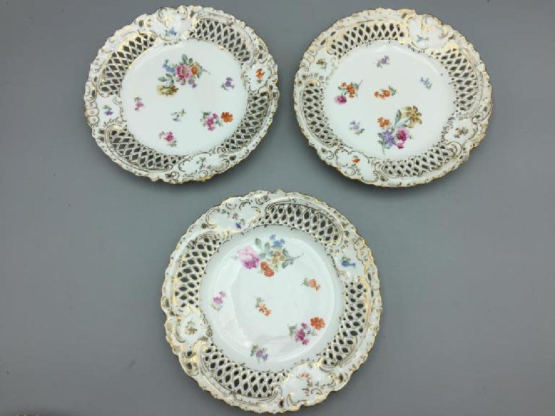 Set of eight German reticulated plates - 4