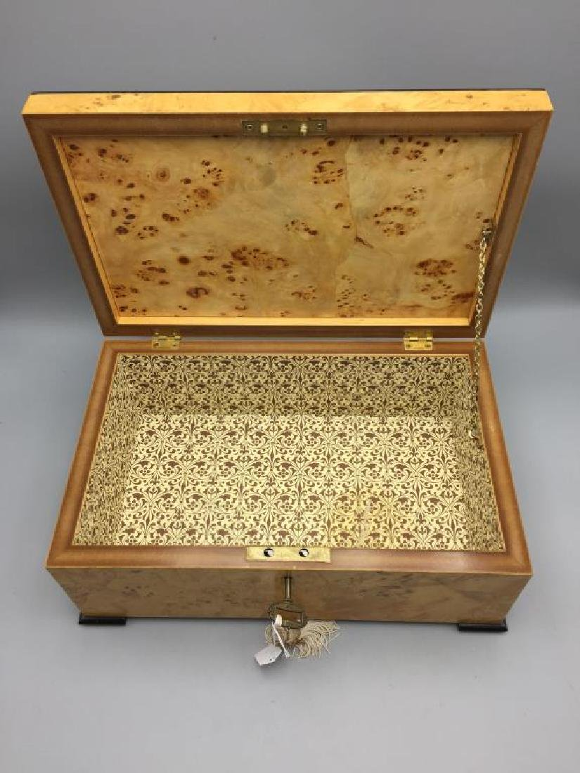 Beautiful burled maple dresser box - 3