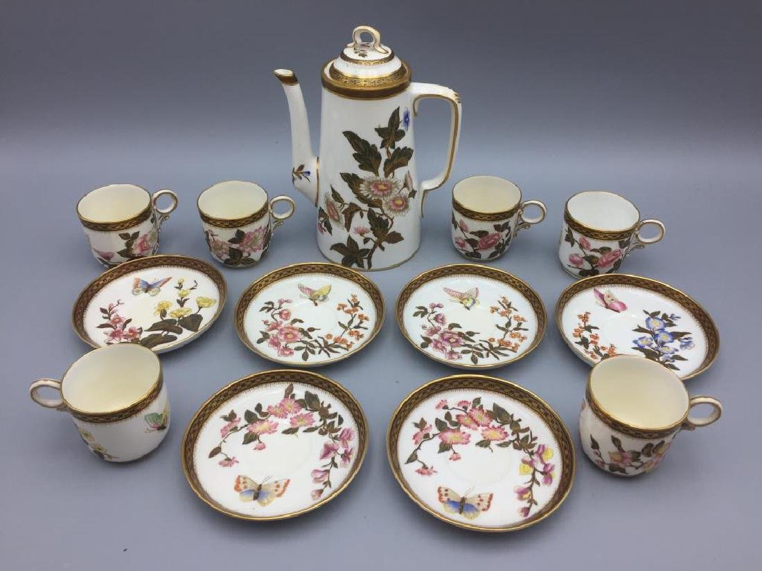 Porcelain teapot with 6 cups and saucers