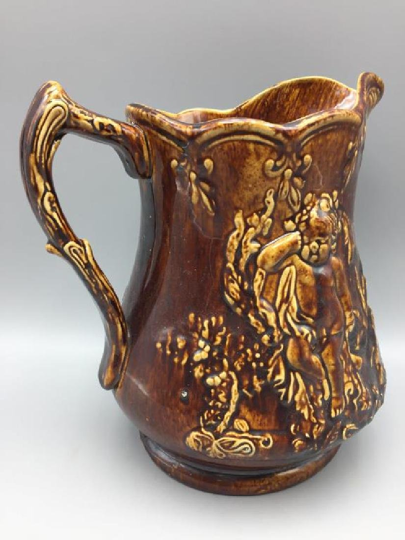 Large Bennington pitcher cherub - 2