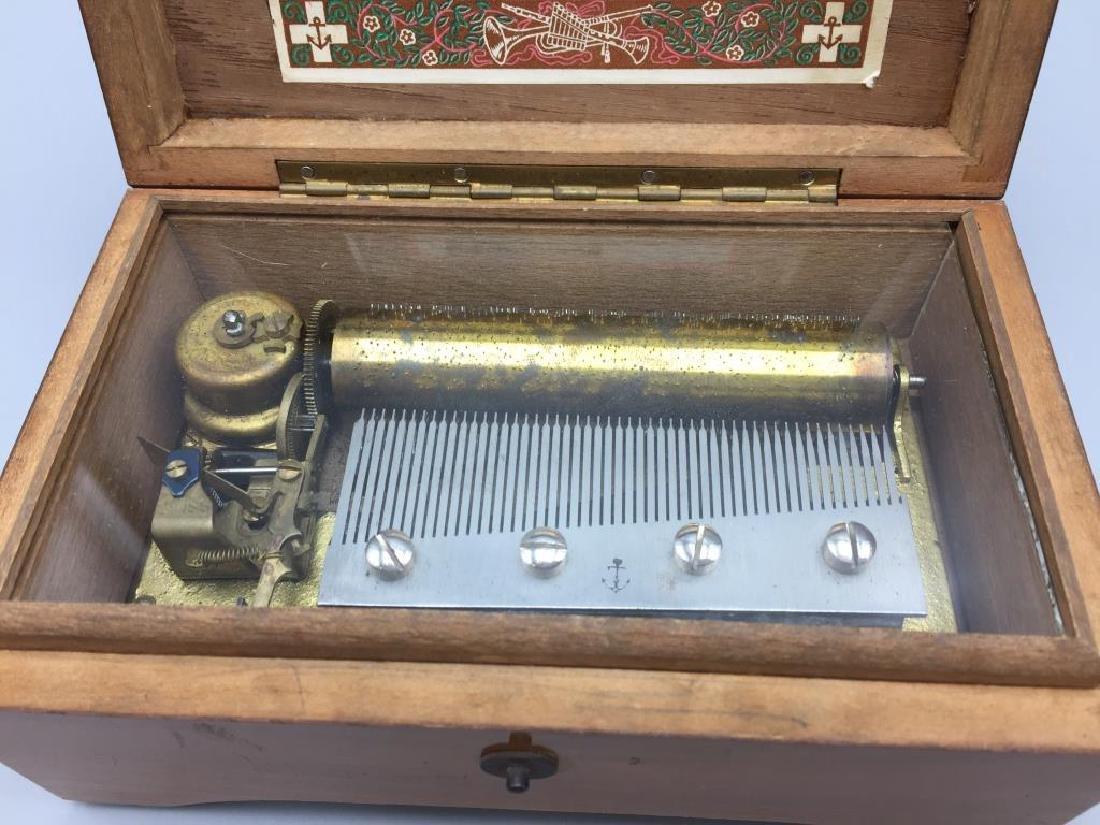 Swiss music box - 3