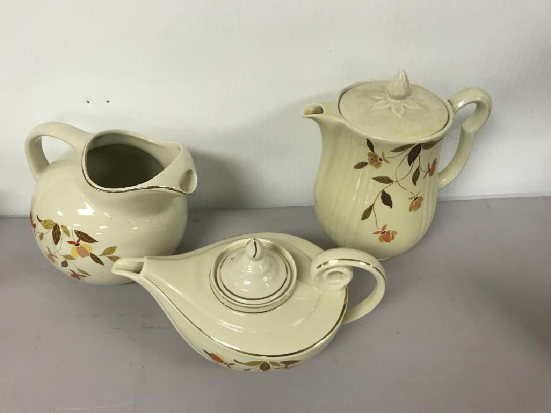 Halls pottery lot - 2