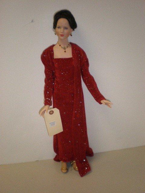 "2008: 19"" all vinyl doll by Robert Tonner, fashion lady"