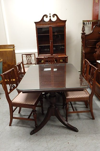Mahogany 8 Piece Dining Room Suite