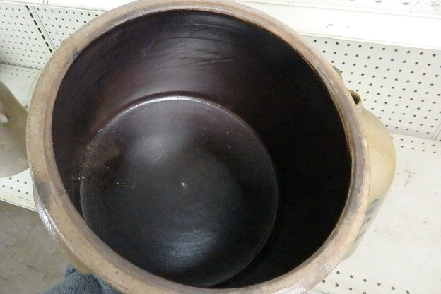 19th Century Stoneware Crock - 7
