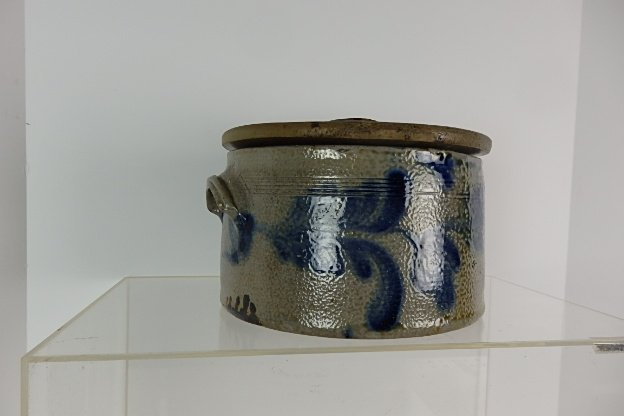 19th Century Stoneware Cake Crock with Lid - 4