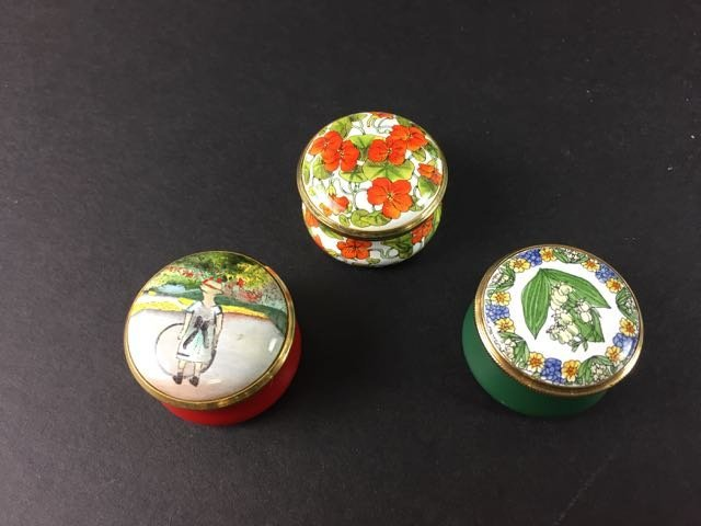 11 Enamel Pill Boxes - 4
