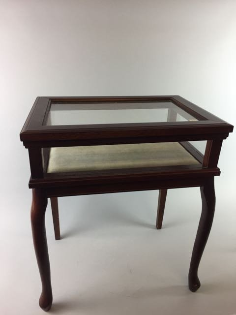 Showcase Table
