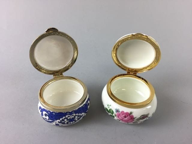 2 Staffordshire Trinket Boxes - 2