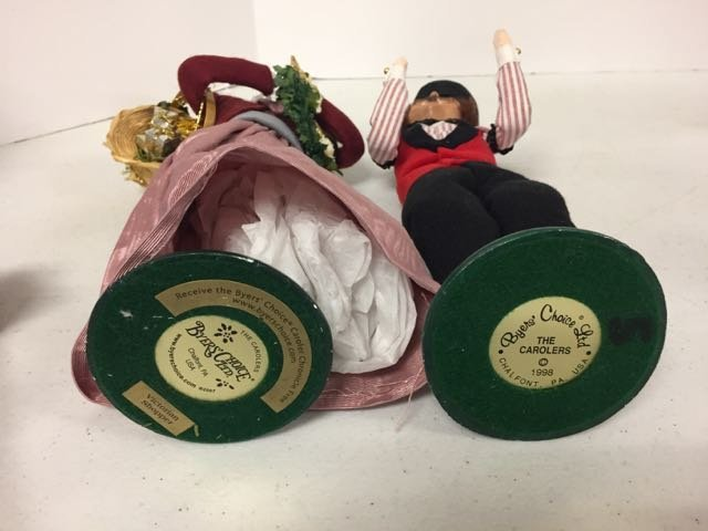 Byer's Choice 2 Carolers - 2