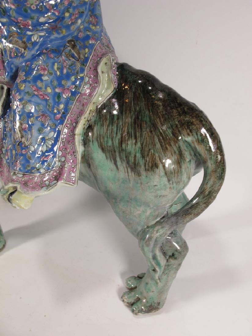Antique Chinese ceramic mounted on foodog statue - 4