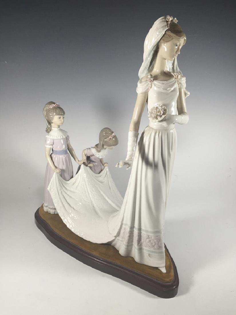 LLADRO Here Comes The Bride Porcelain Figure - 3