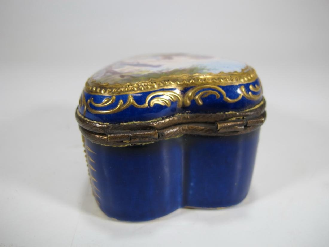 Antique French Sevres miniature porcelain box - 3
