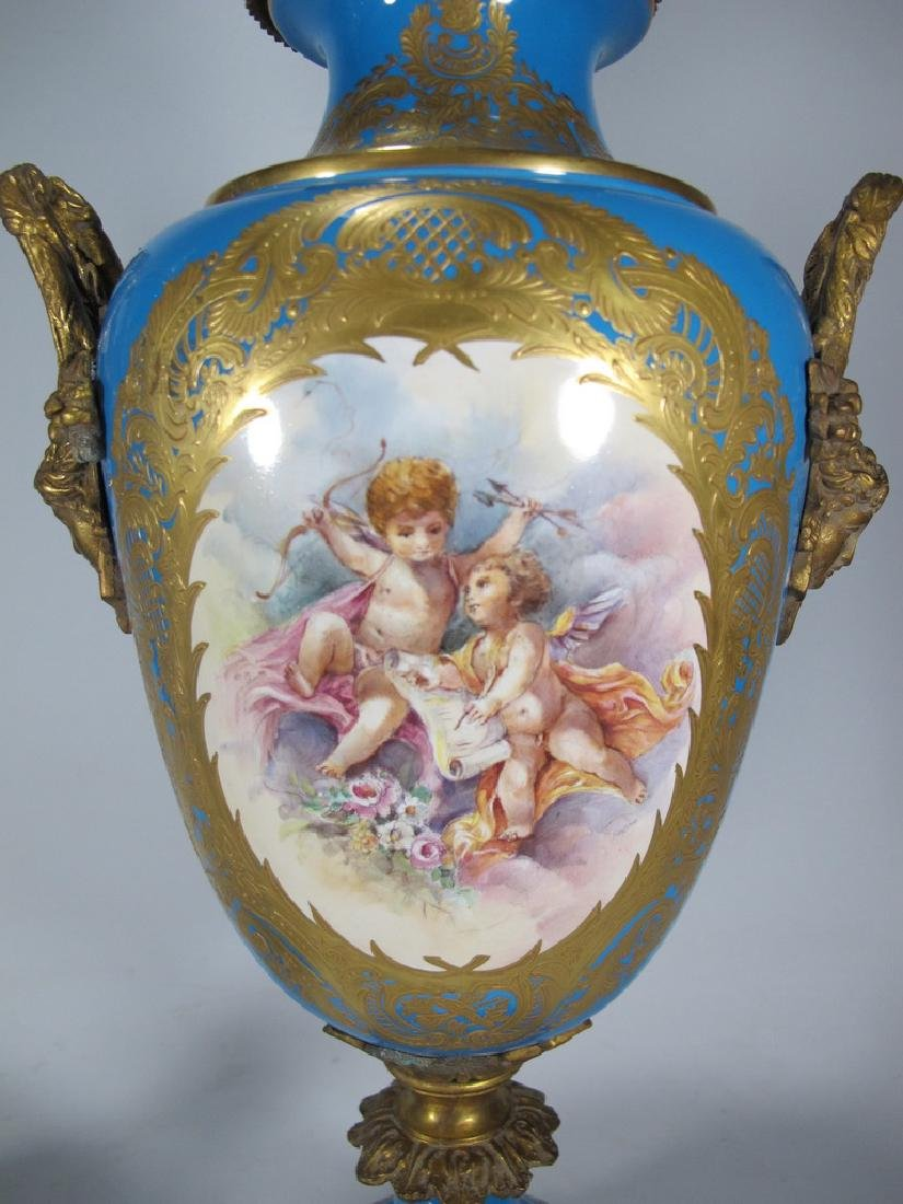 Pair of late 20th C Sevres style porcelain urns - 5