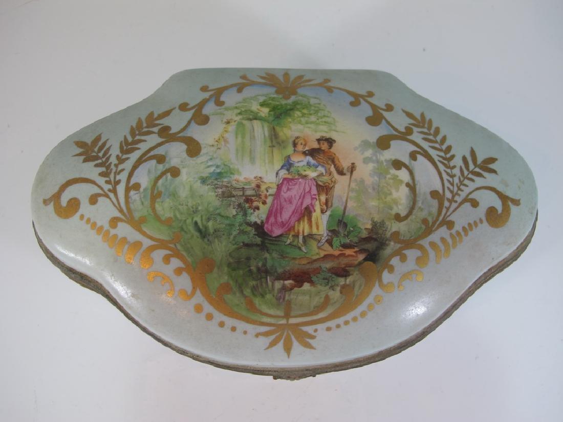 Antique Limoges porcelain box - 2