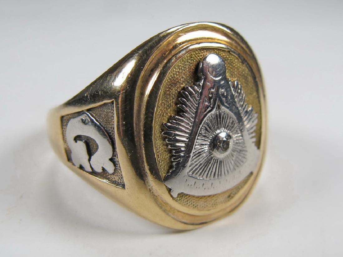 Vintage 10K gold & diamond Masonic men's ring