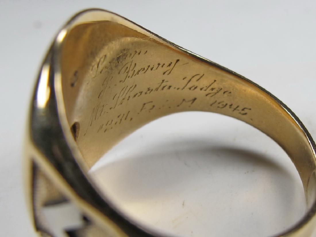 Vintage 10K gold & diamond Masonic men's ring - 6