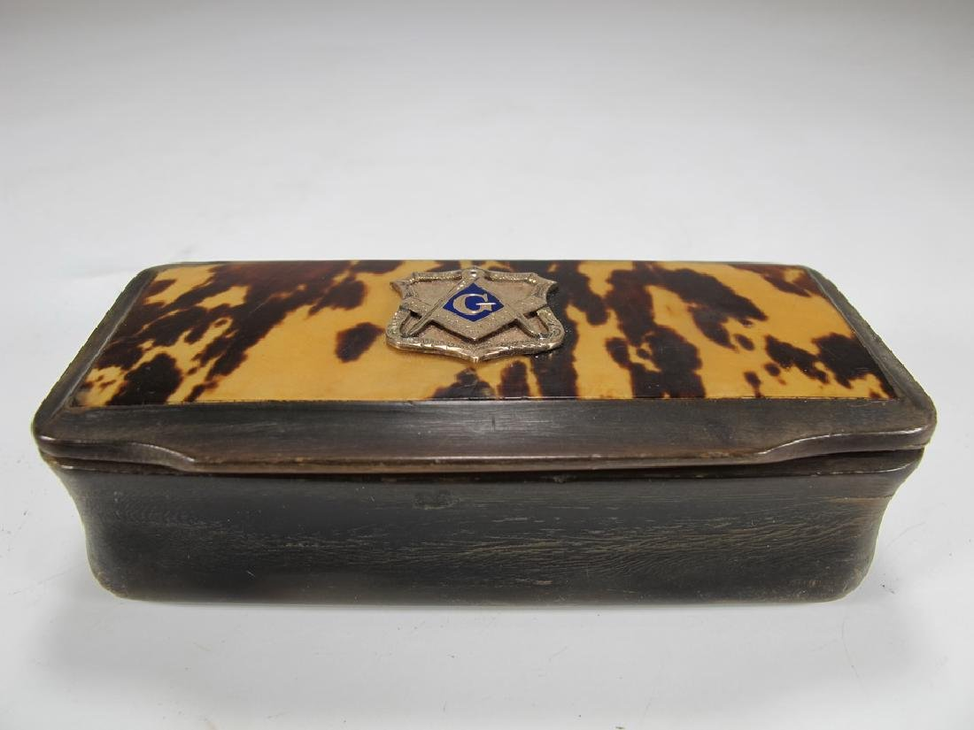 Vintage Masonic horn & 9 k gold snuff box