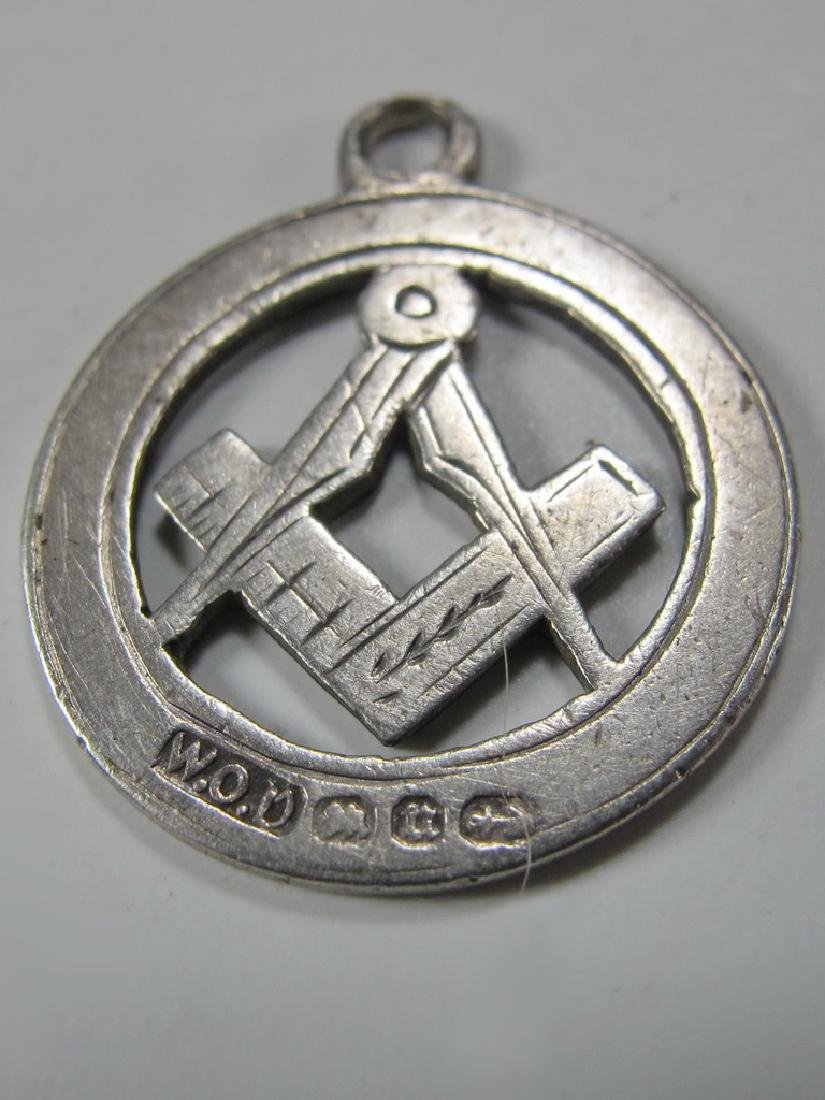 Lot of 4 Masonic sterling & metal jewels - 7