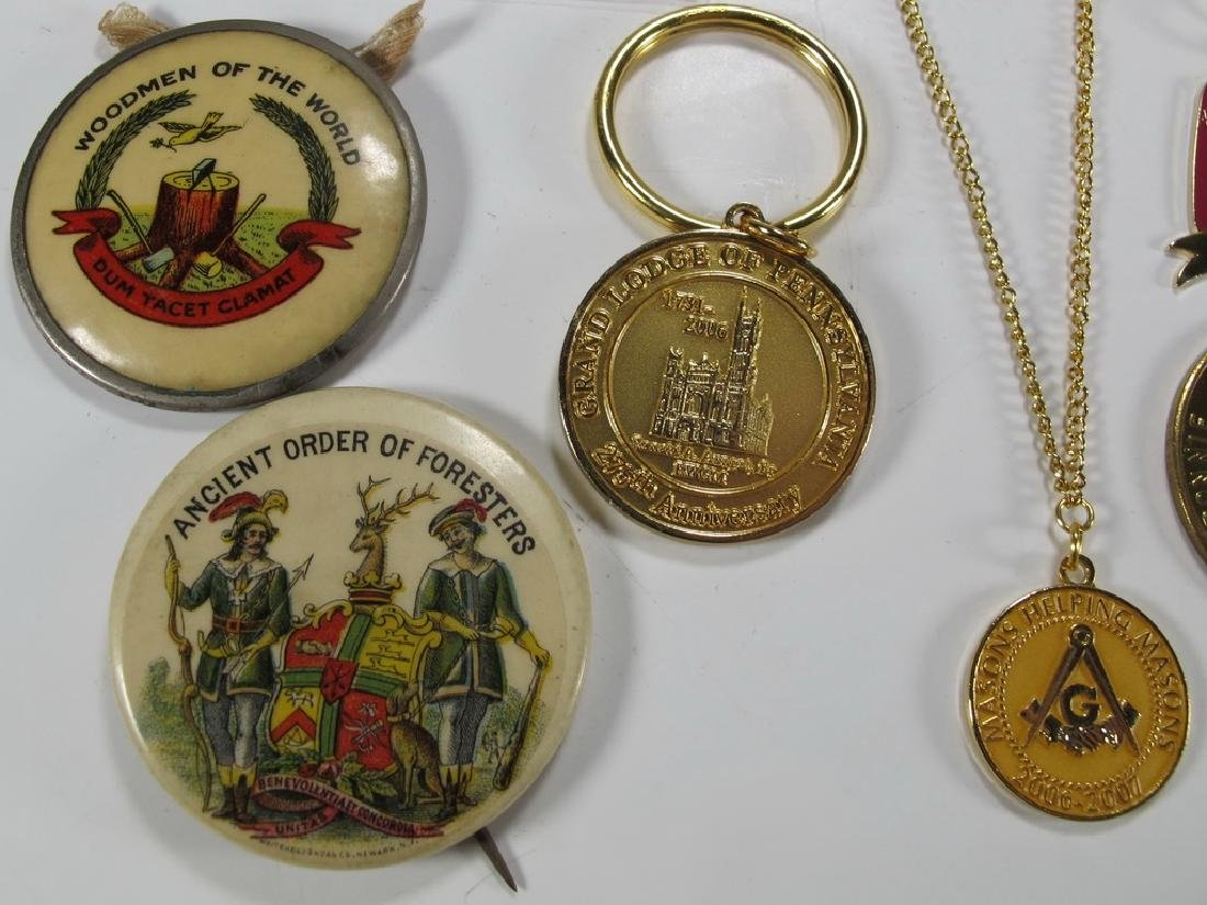 Lot of assorted Masonic badges, coins, pins & charms - 4