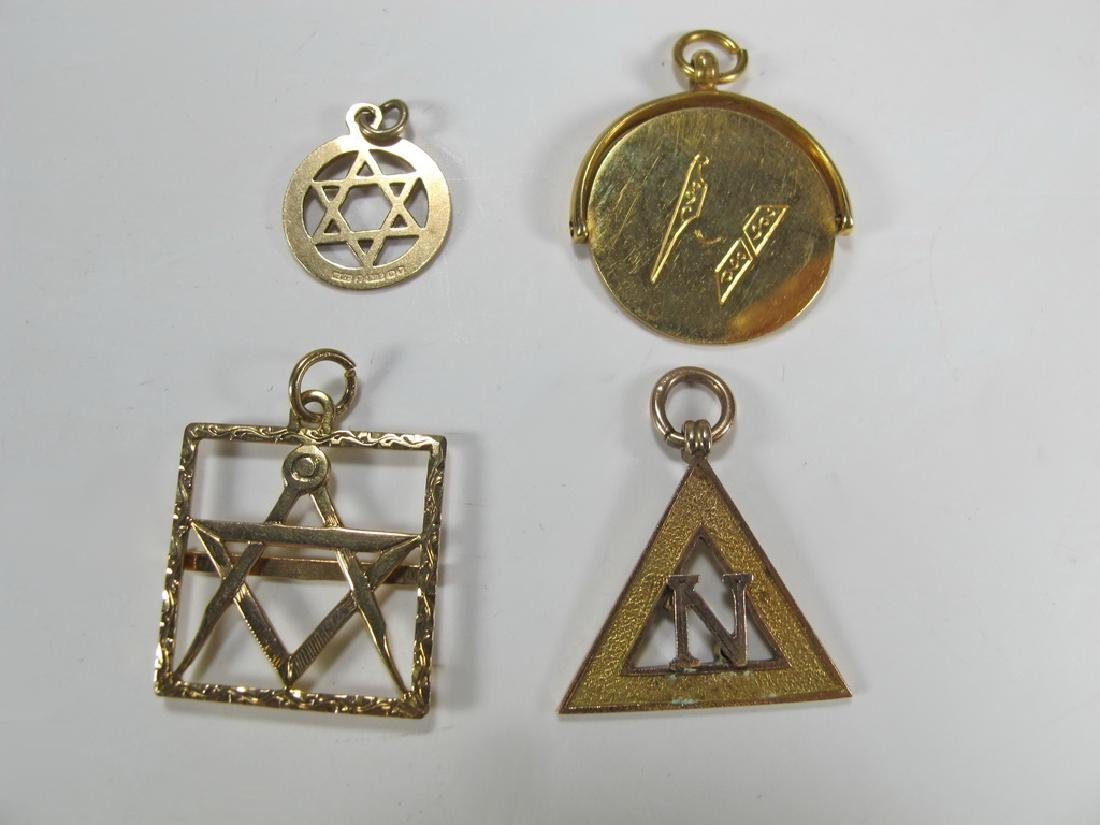 Lot of 4 9K Gold Masonic jewel
