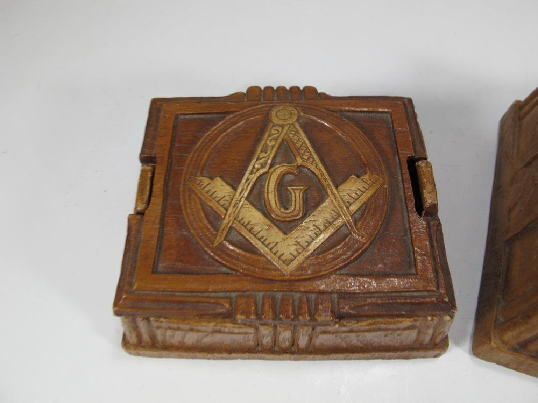 Lot of 2 Masonic composition boxes - 3