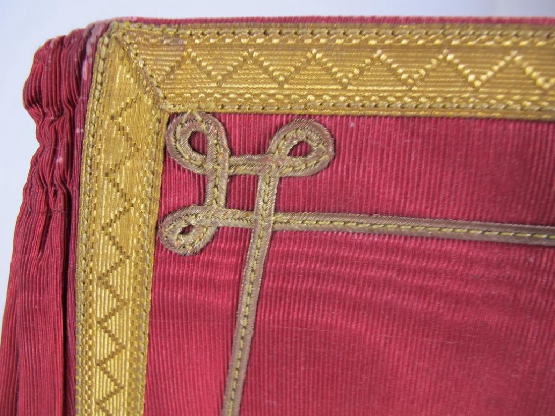 Pair of Masonic red cuff gauntlets - 4