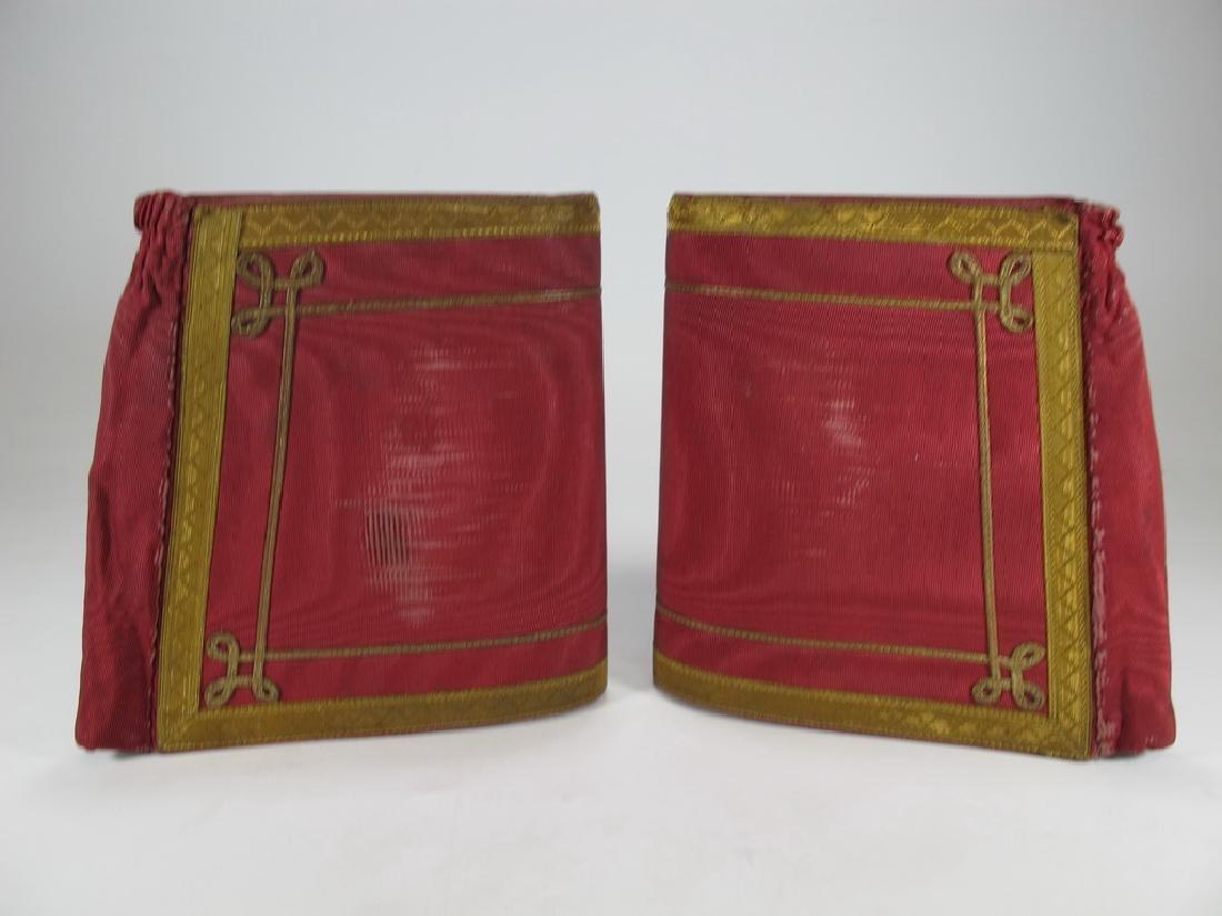 Pair of Masonic red cuff gauntlets - 5