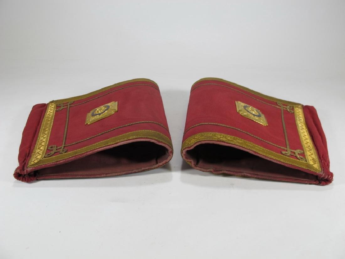 Pair of Masonic red cuff gauntlets - 6