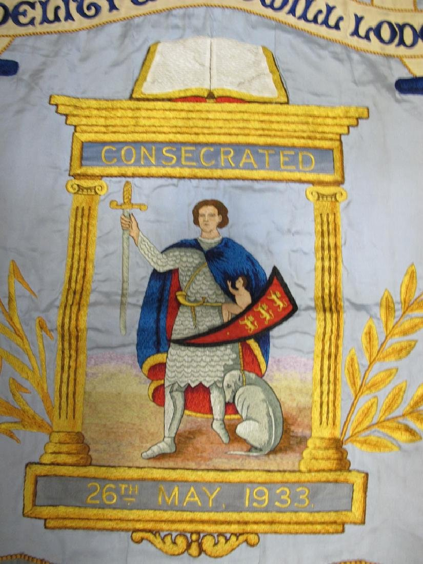 Antique embroidered Masonic flag - 3