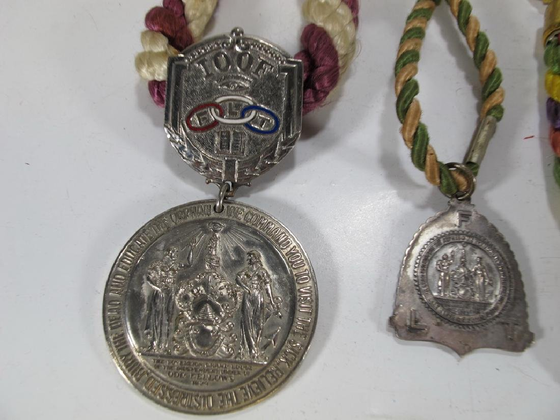 Lot of three Masonic cordon collars with medals - 2