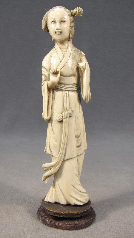98: Chinese carved ivory statue