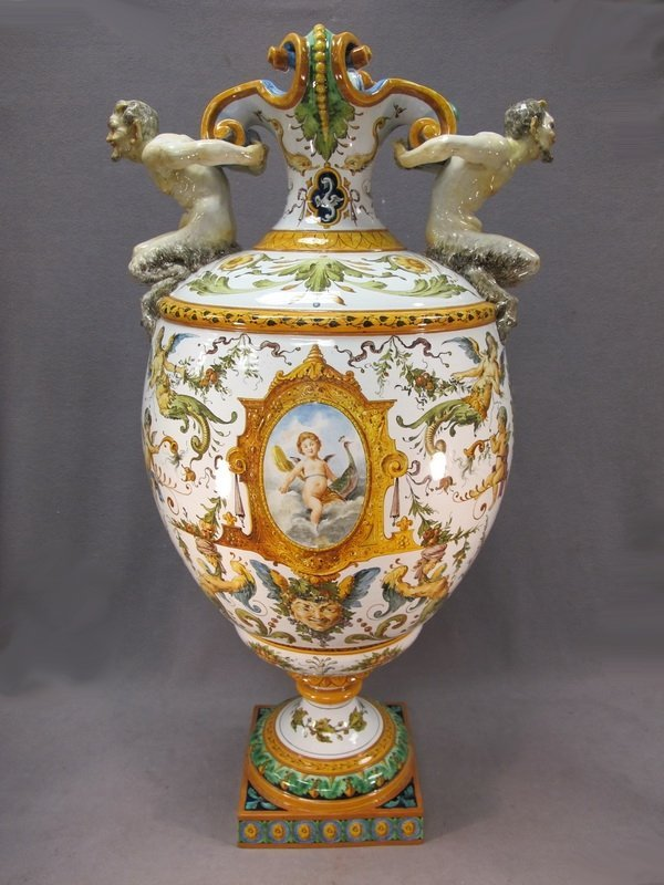 109: Italian Ginori large ceramic urn