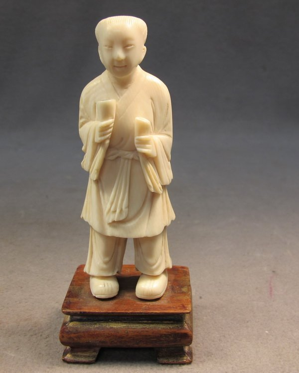 20: Chinese carved ivory statue