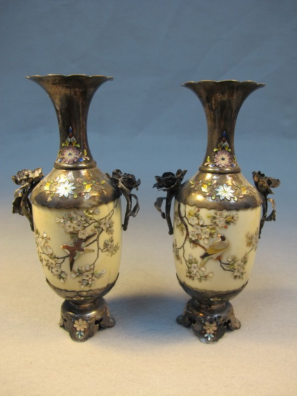 2: Japanese pair of inlaid Shibayama vases