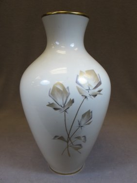 24: Old German Bavaria porcelain vase