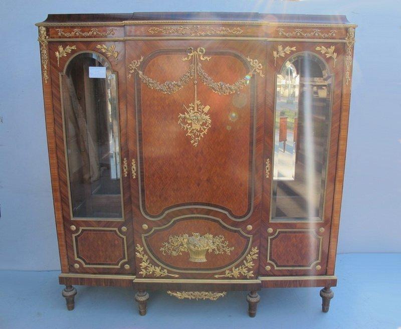 258: Linke quality French ormolu vitrine