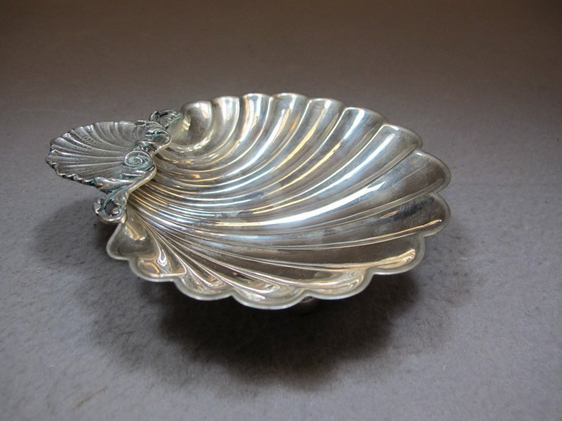 Old 800 Silver European shell tray