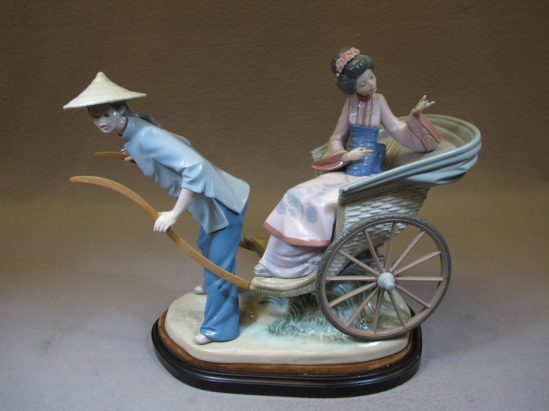 Spanish Lladro porcelain Chinese statue
